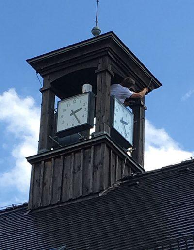 Holzschutzanstrich Turmuhr Gemeinde Schkopau